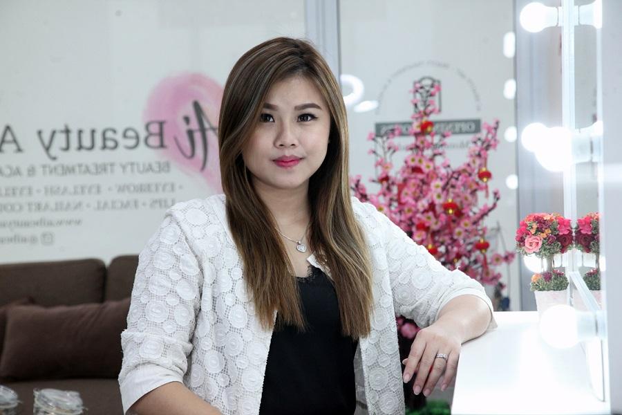 April Liyanti Chaii, Wajah Menjadi Tirus, Kencang, Sehat Dan Glowing Dengan Korean Signature Vit C & White Glow Treatment