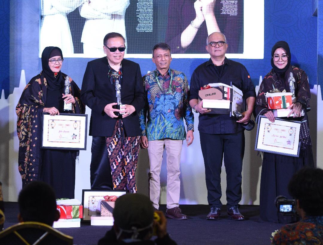 Debindo dan IEDC Berikan Penghargaan Pada 4 Desainer Berprestasi Di Modest Award 2020