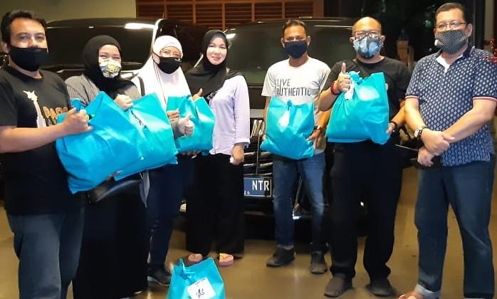 Suport Rekan Jurnalis Pandemi Covid 19, Sahabat Kartini dan Bahira Berikan Paket Sembako