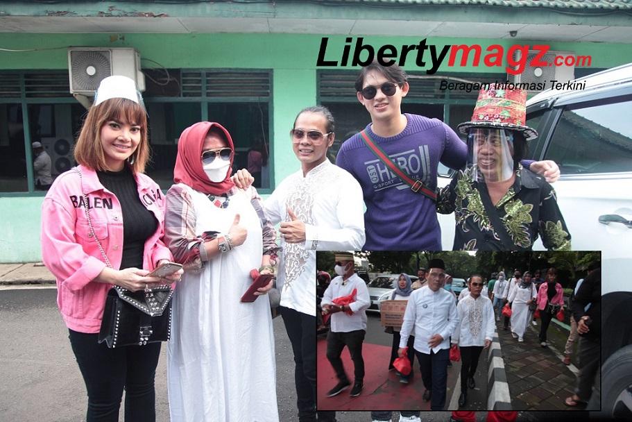 Eko Mega Bintang Bersama Forsa Duta Gandeng Sederet Artis Berbagi Takjil Di Kota Tangerang