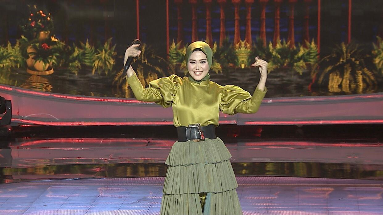 Ratna (Kalimantan Selatan), Curi Hati Dewan Juri Lewat Lagu 'Hijrah', Lolos Ke Babak Top 28